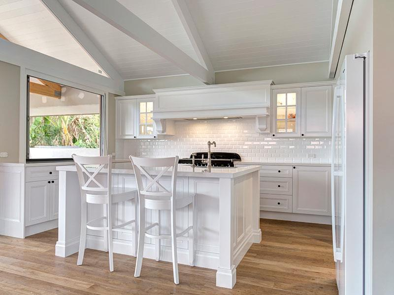 Highland Kitchens - Country kitchen with modern touches