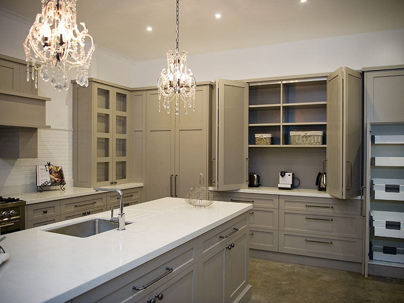 Highland Kitchens - Kitchens with Hampton style and a touch of Country