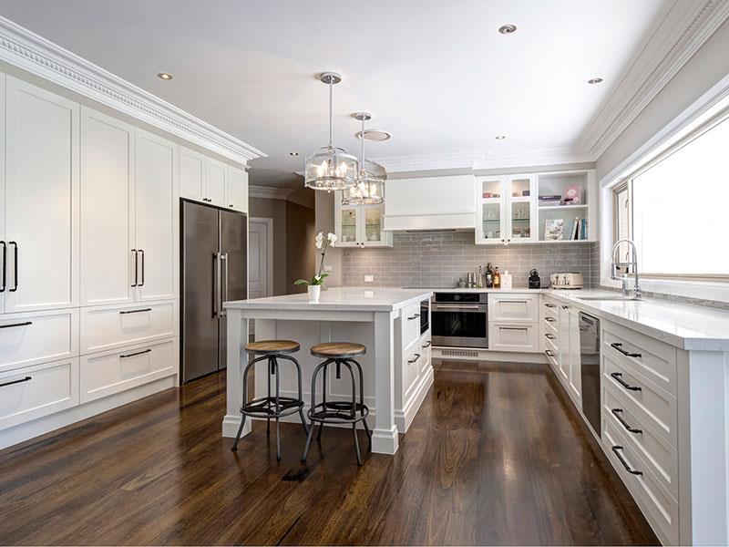 Highland Kitchens - The Hampton style kitchen is perfect for a large, light filled space