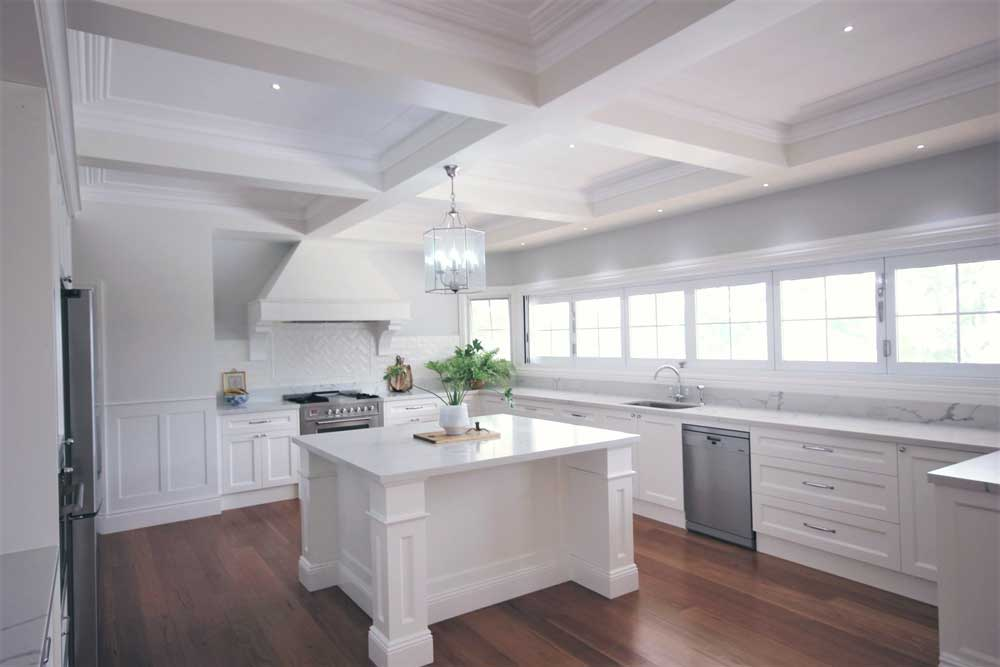 Highland Kitchens - Beautiful light Hampton Kitchen