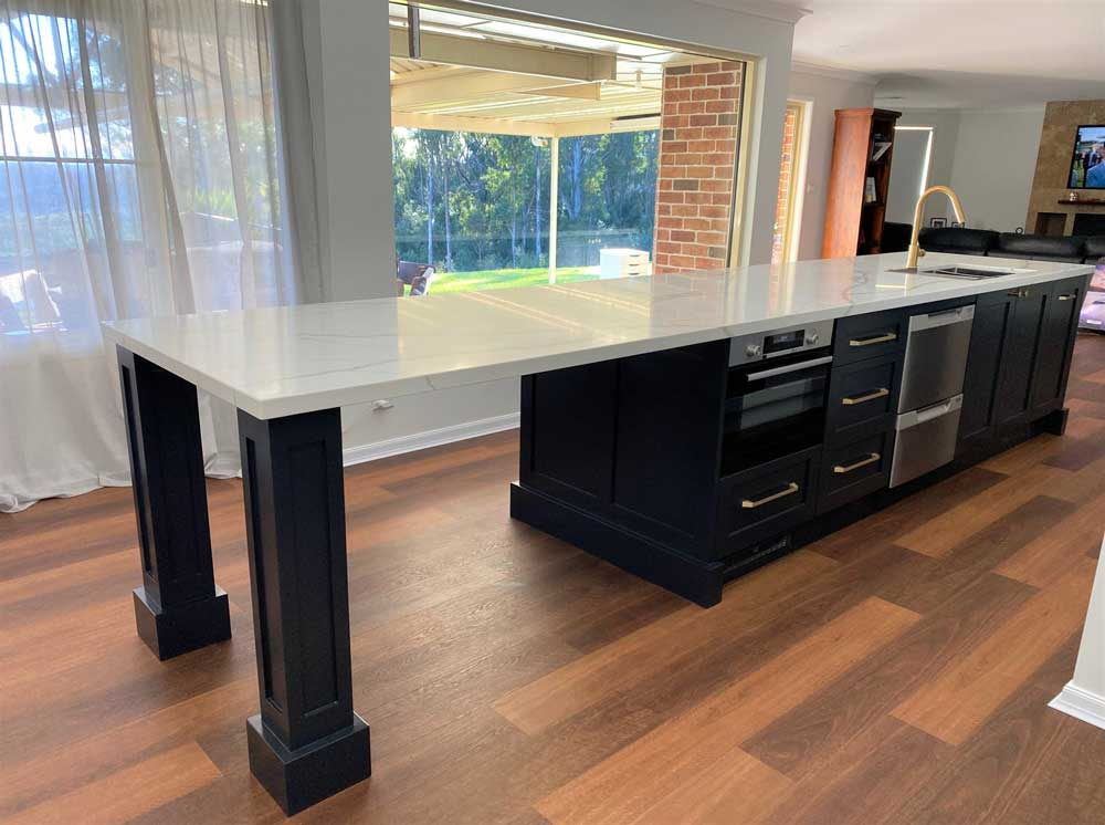 Highland Kitchens - Stylish Eat in Kitchen in the country style